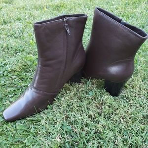 Newport news easy style brown boots